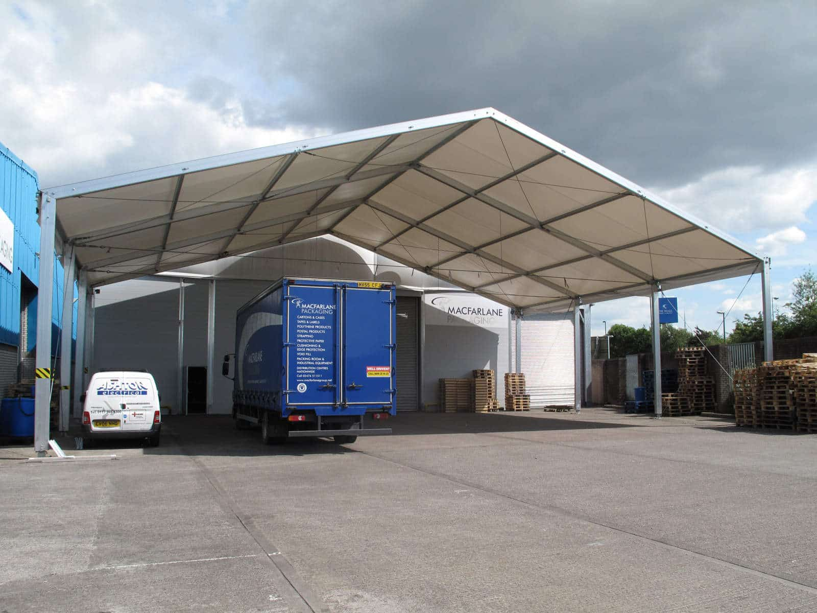 canopy structure for logistical services